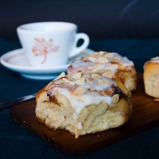 Sticky Buttermilk Cinnamon Bun Recipe